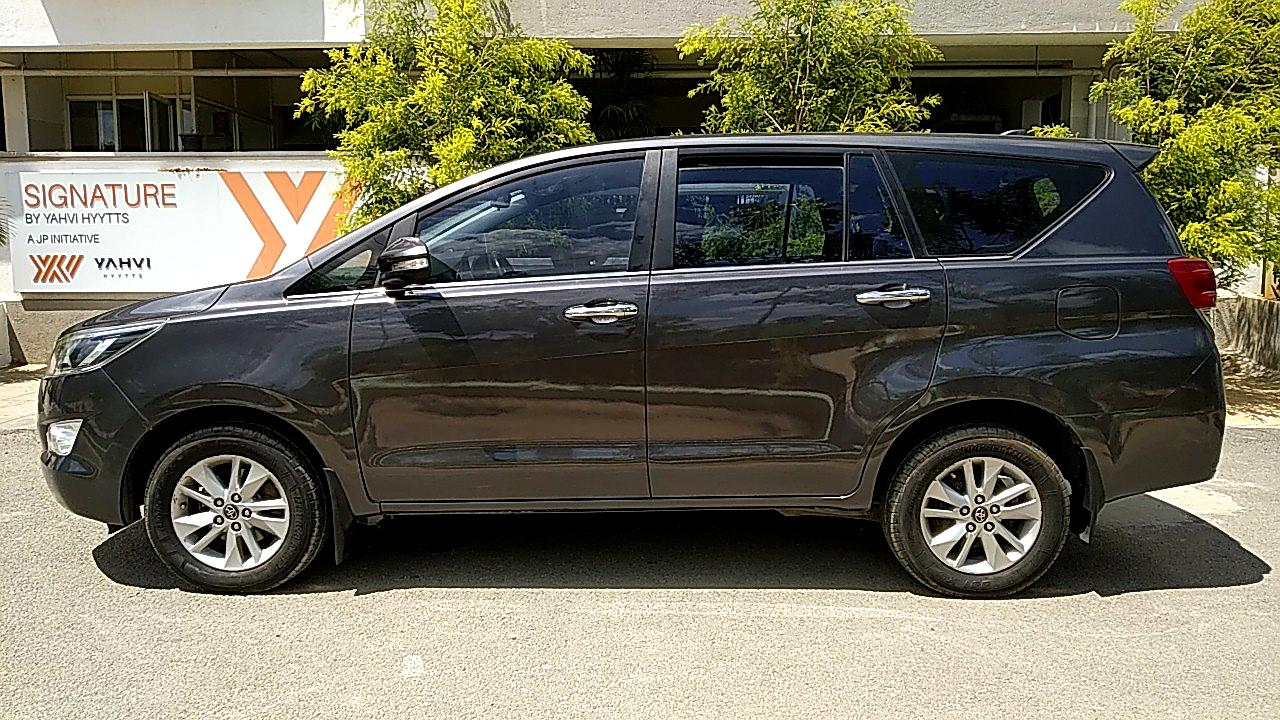 Used Toyota Innova Crysta 2 4 V 8 Str Car In Btm Layout Bangalore For 16 60 Lakhs Product Id 82117 Spinny