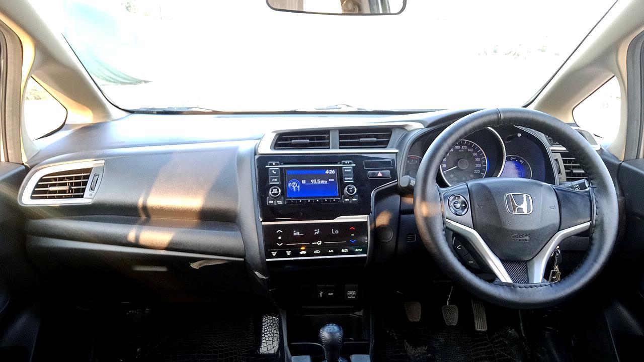 Spinny Assured Honda Jazz interior