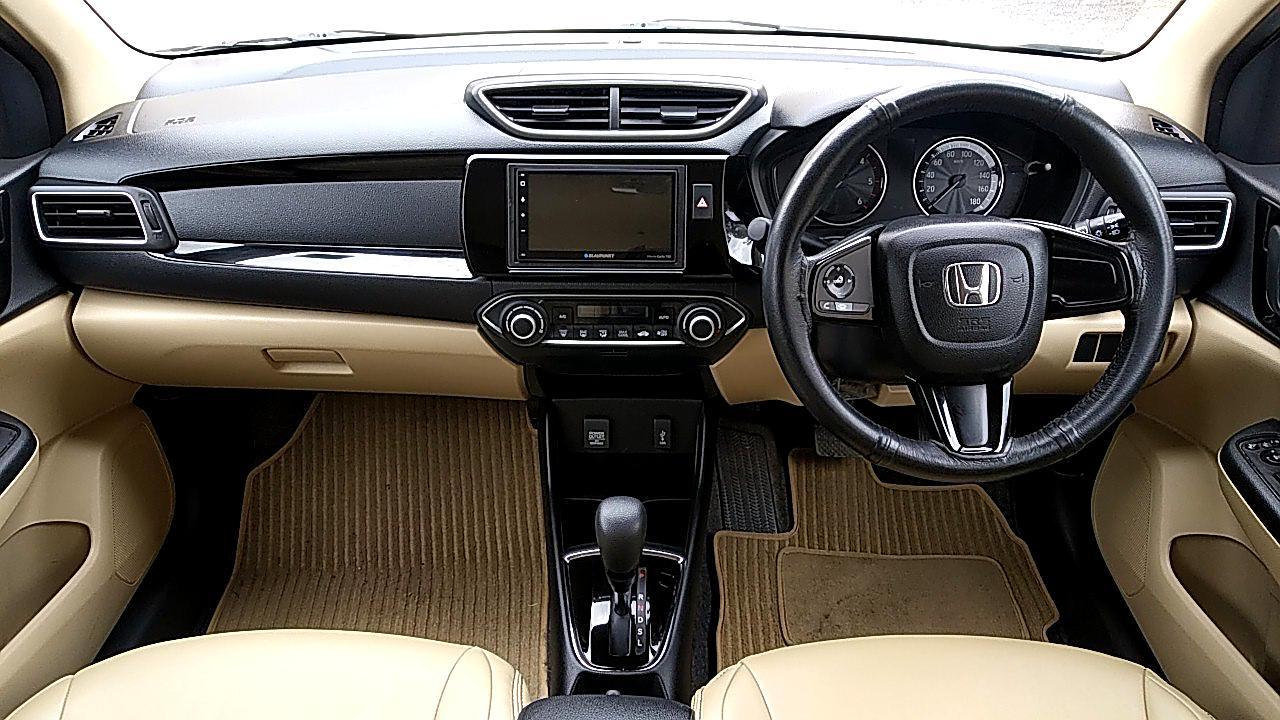 Spinny Honda Amaze Interiors