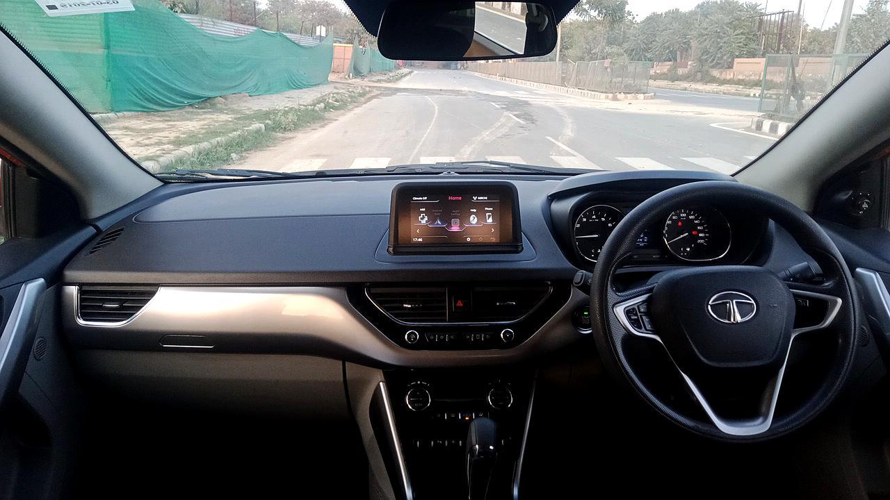 Spinny Assured Tata Nexon dashboard