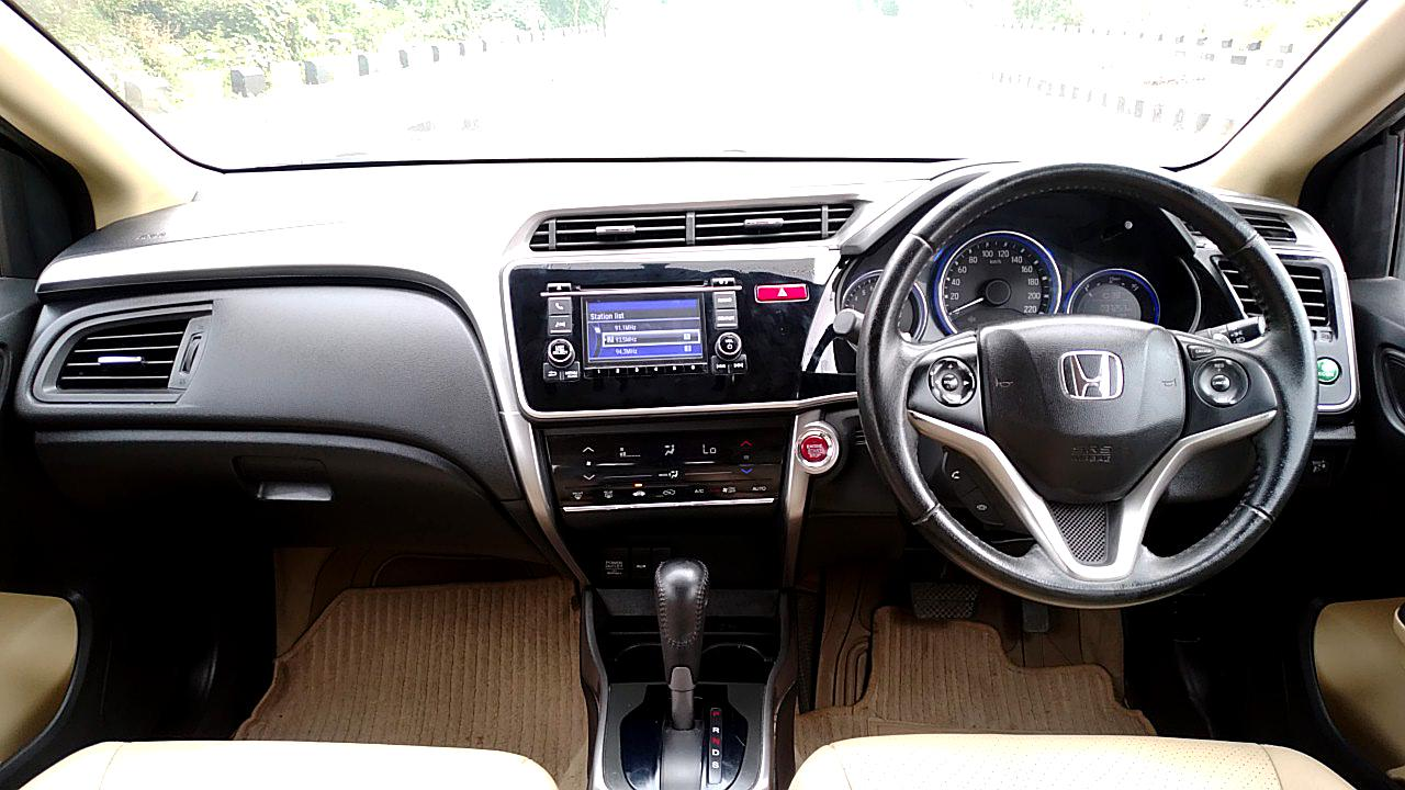 Spinny Assured Honda City CVT interior