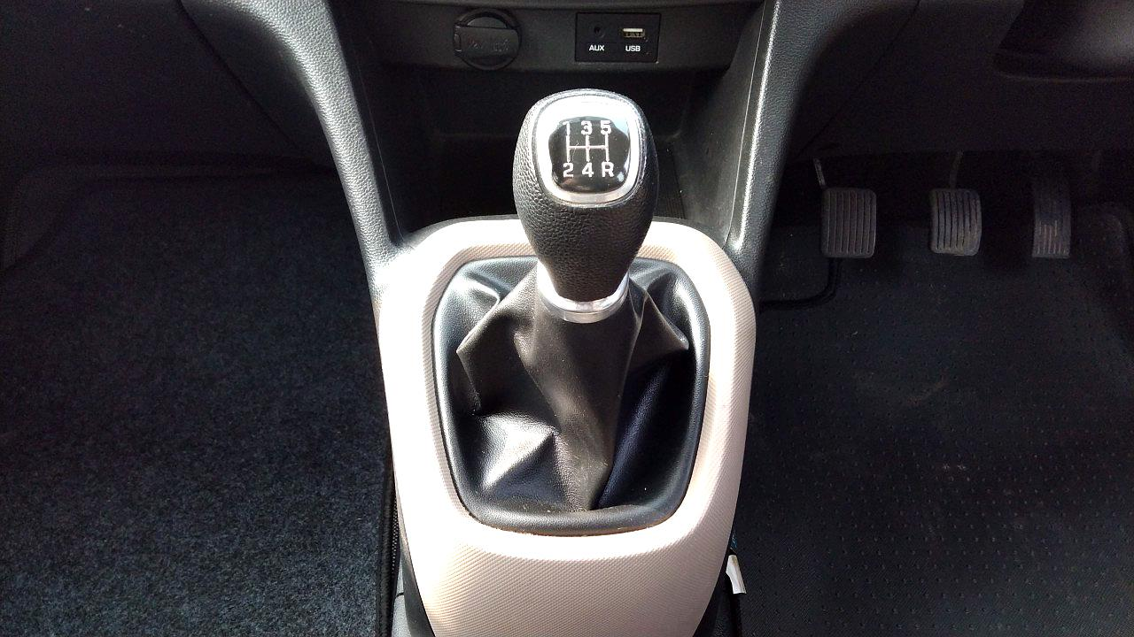 Spinny Assured Hyundai Grand i10 clutch and gearbox