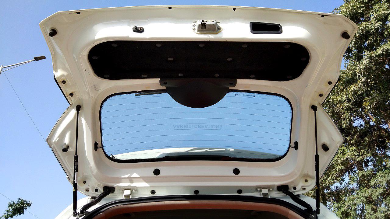 Spinny Assured used Tata Nexon tailgate