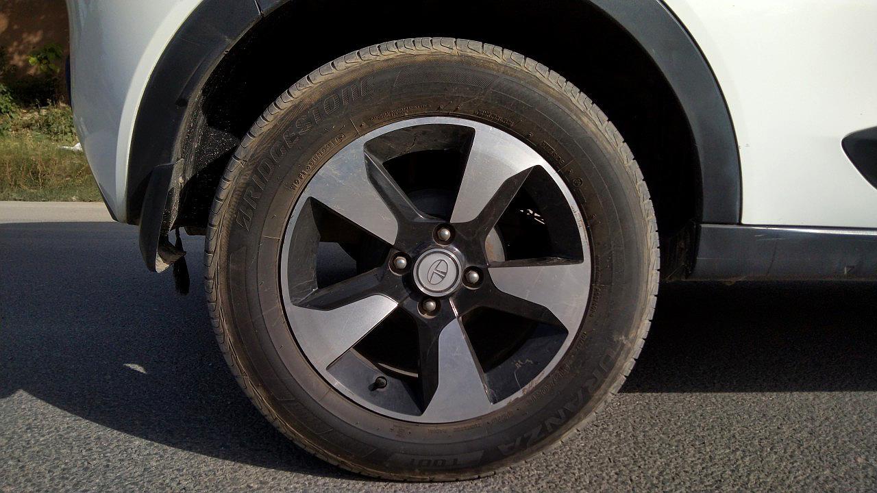 Spinny Assured used Tata Nexon rear wheel