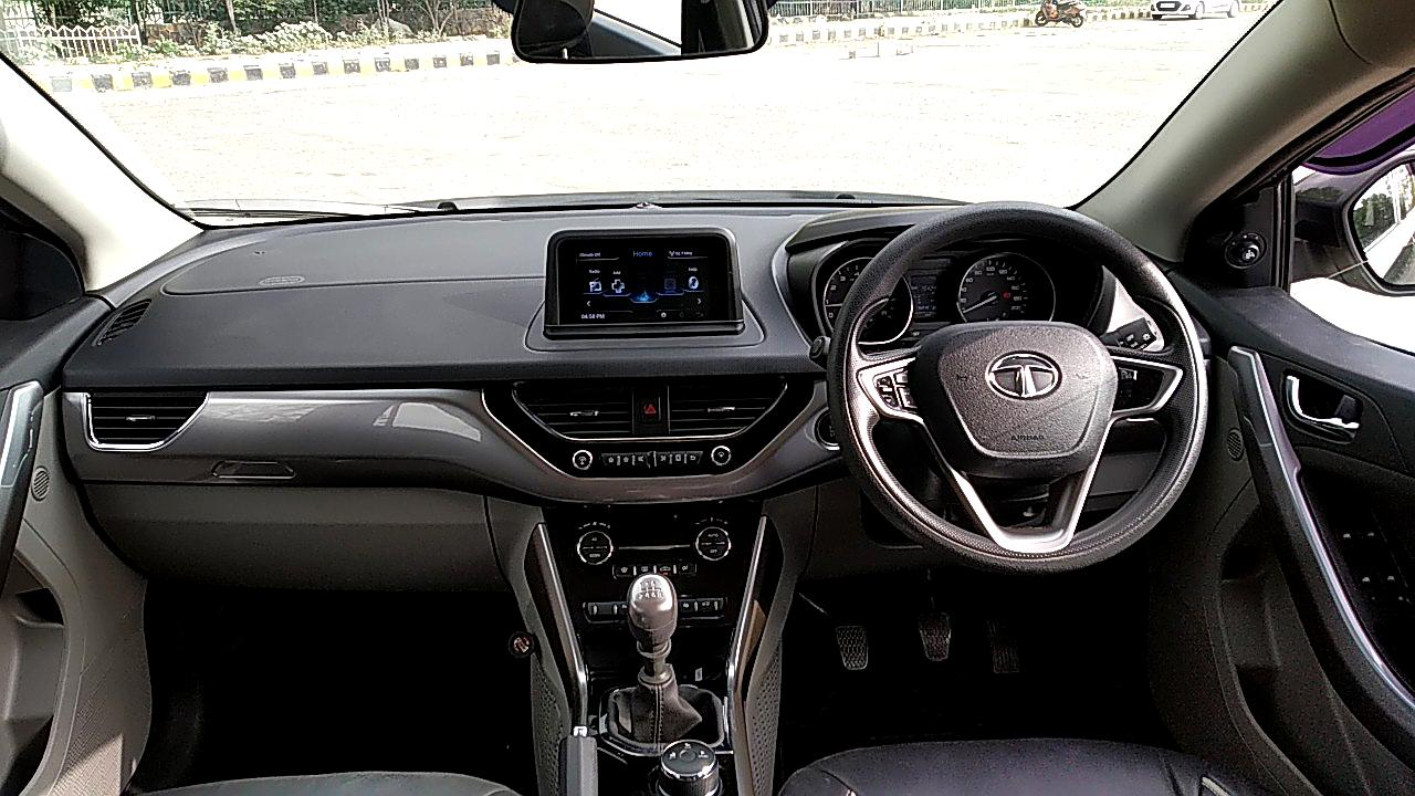Spinny Assured 2017 Tata Nexon interior dashboard