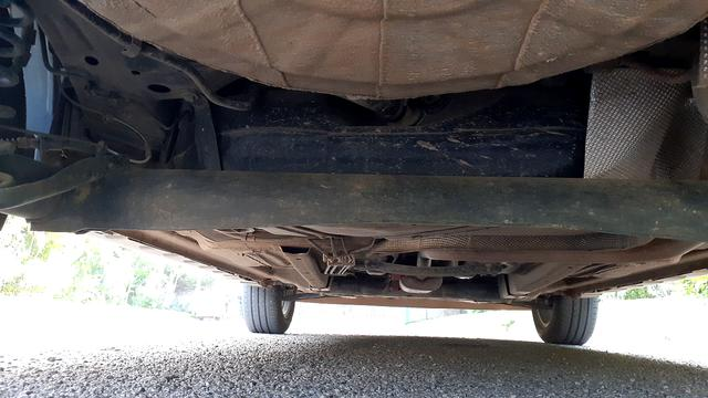 REAR UNDERBODY VIEW (TAKEN FROM REAR)