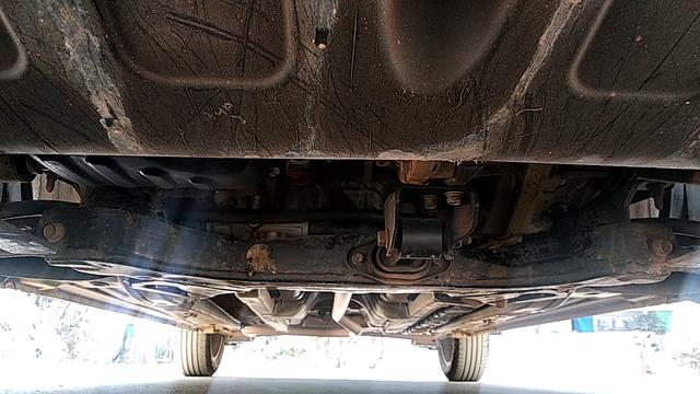 FRONT LEFT UNDERBODY VIEW