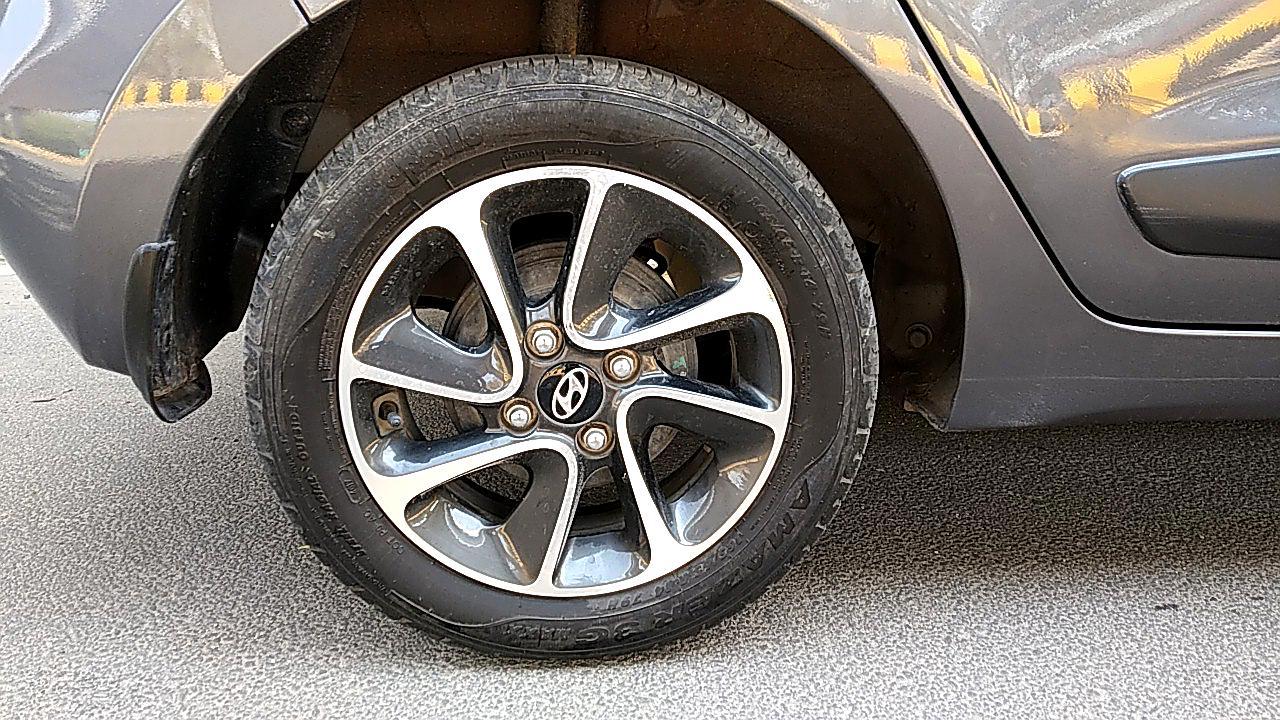 Spinny Assured Hyundai Grand i10 rear brakes