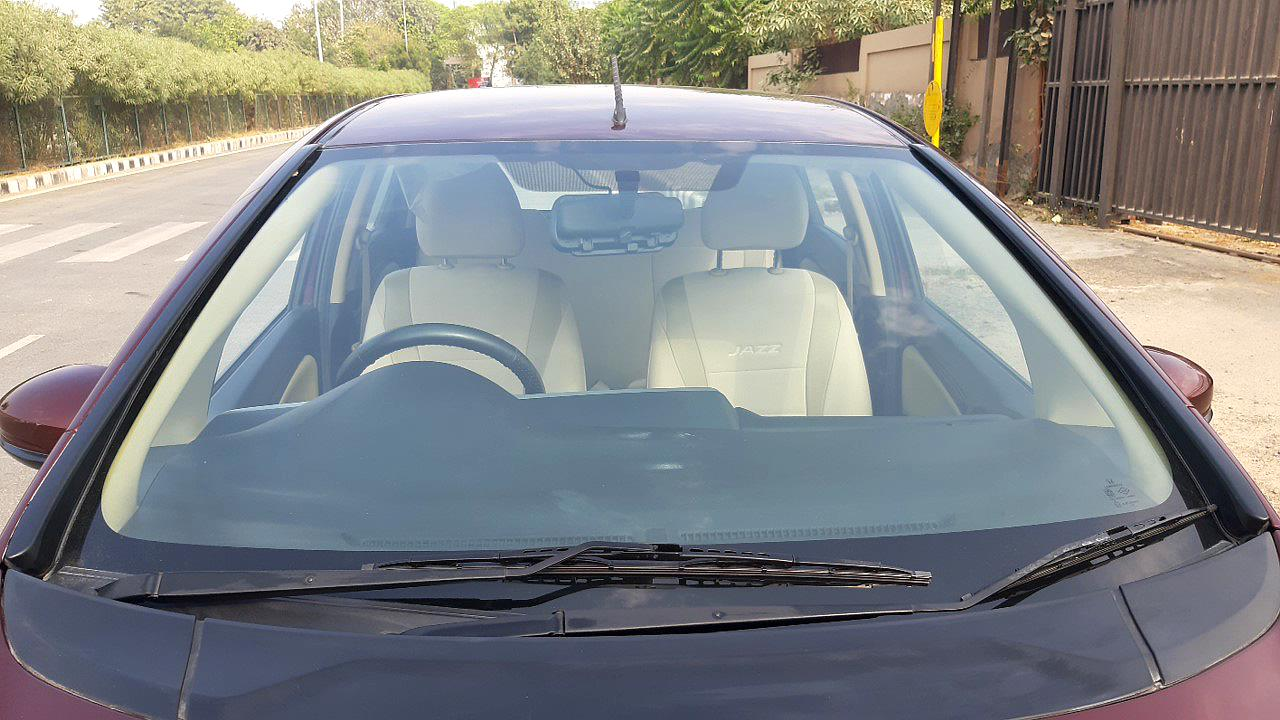 Spinny Assured Honda Jazz windshield